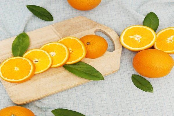 Dưỡng ẩm làn da căng mọng bằng mặt nạ của những loại trái cây tự nhiên